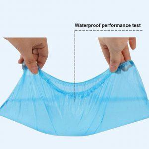 تست-ضد-آب-بودن-کاور-کفش-یکبار-مصرف